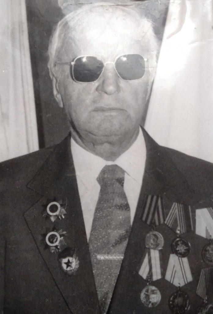 Герои Победы. Новиченков Александр Корнеевич,  лейтенант (1922-2000)